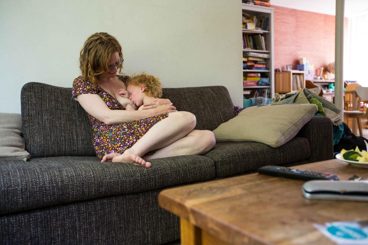 'Borstvoedingsmaffia'… Wanneer gaan we eindelijk volwassen doen?